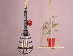 Draadlamp-met-heart-wood