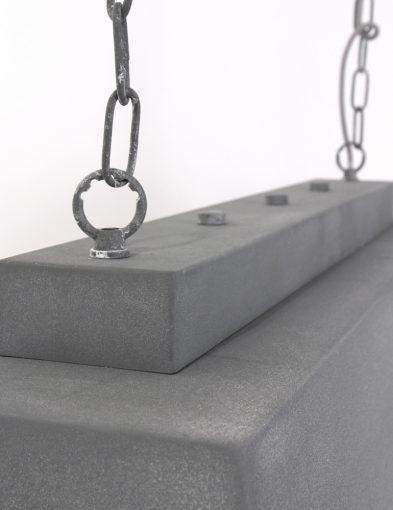 Rechthoekige-hanglamp-grijs-stal-robuust