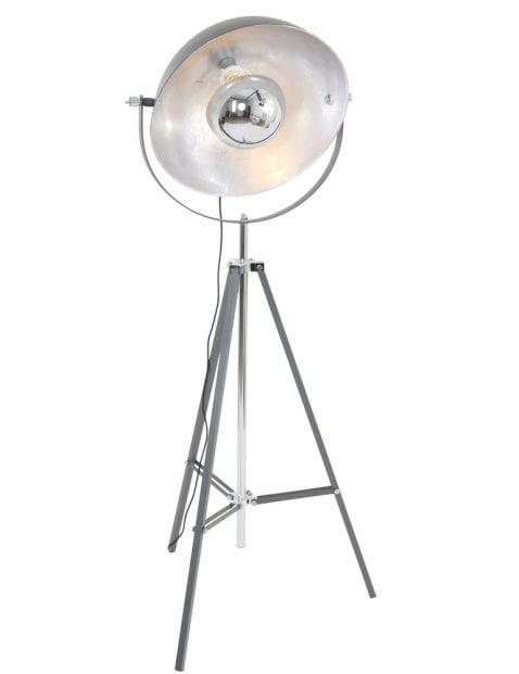 Vloerlamp-zilveren-binnenkant-grijs-armatuur-industrieel