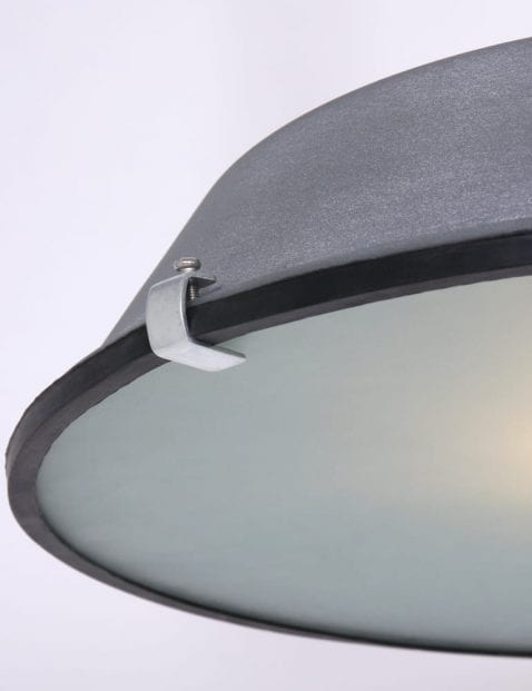 betongrijze-hanglamp-glasplaat-touw