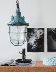 blauwe scheepslamp