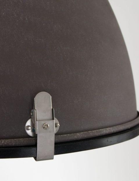 bruine-verweerde-stoere-hanglamp-eivormig