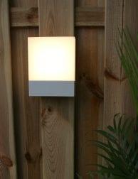 buitenlampje-sfeervol-licht-led-modern
