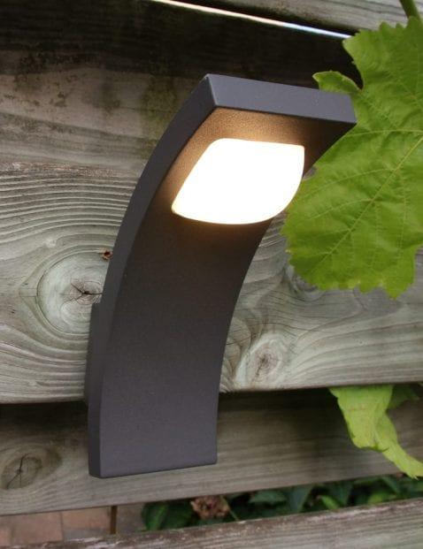 buitenlampje-zwart-modern_2_1