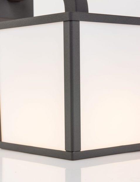 buitenlampje-zwart_2