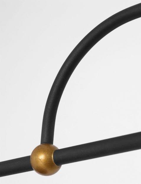 details-hanglamp-zwart-met-goudkleurige-details_1