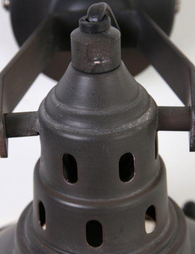 donkerbruine-wandlamp-industrieel-rooster-kantelbaar