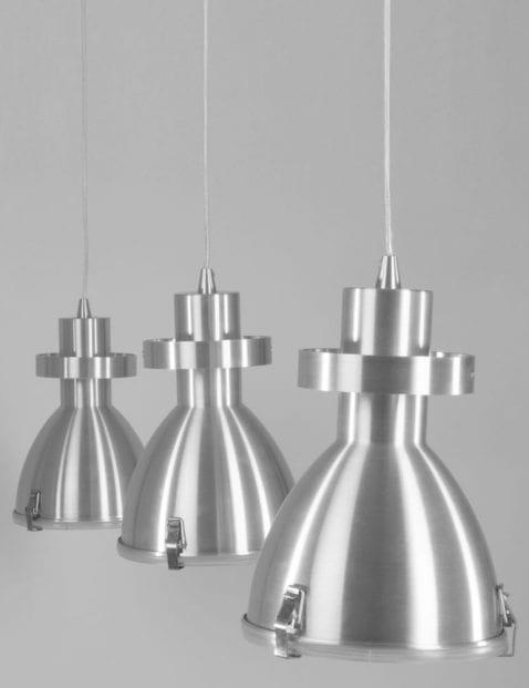drie-stoeren-hanglampen-robuust