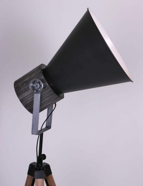 driepotige-staande-vloerlamp-zwart-met-hout-industrieel