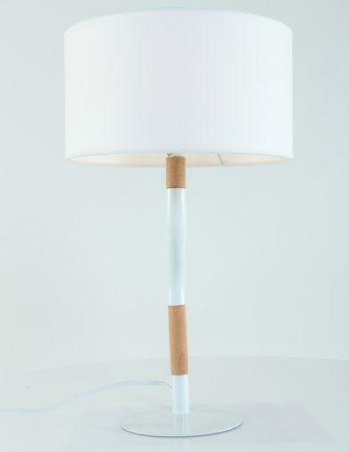 eigenzinnige-tafellamp-met-schemerkap