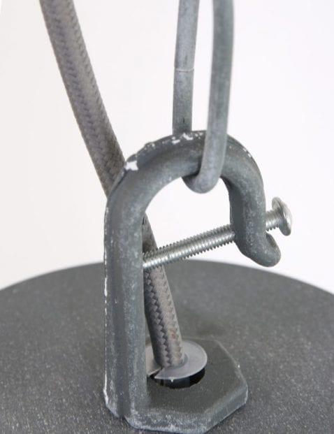 grijs-industrieel-hanglampje-robuust