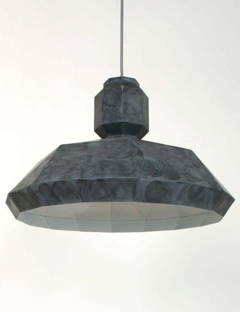 grijze-hoekige-hanglamp-stoer_1