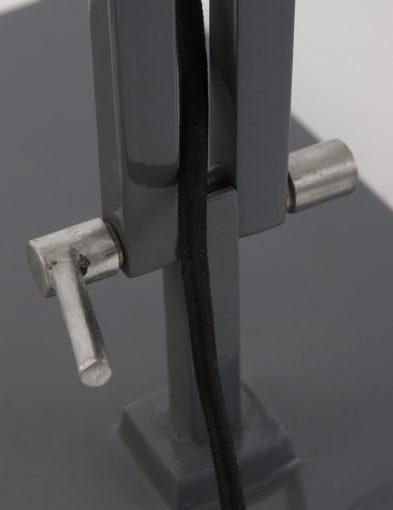grijze-vloerlamp-industrieel