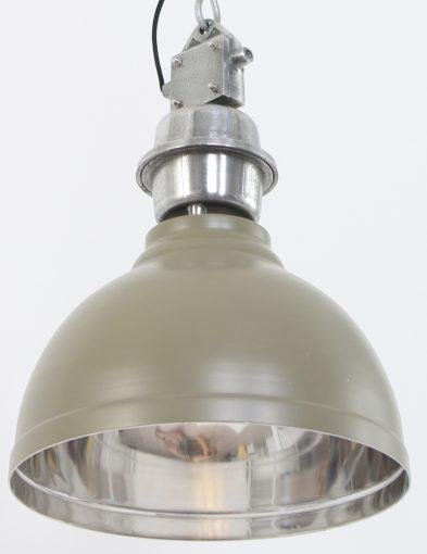 groene-industriele-eettafellamp-veel-details