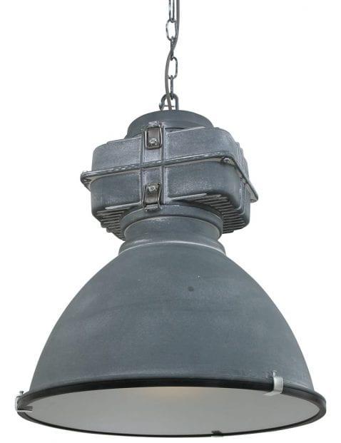 grote-grijze-eettafel-fabriekslamp