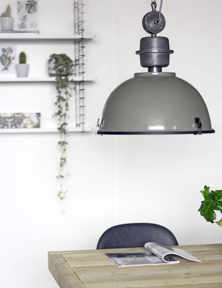 Industriele fabriekslamp steinhauer bikkel groen for Grote hanglamp eettafel