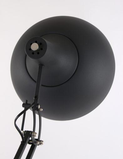 grote-stoere-bureaulamp-als-vloerlamp