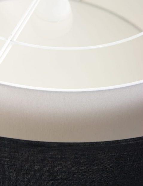 grote-stoffen-plafonnieres-freelight-zwart-en-witte-kap