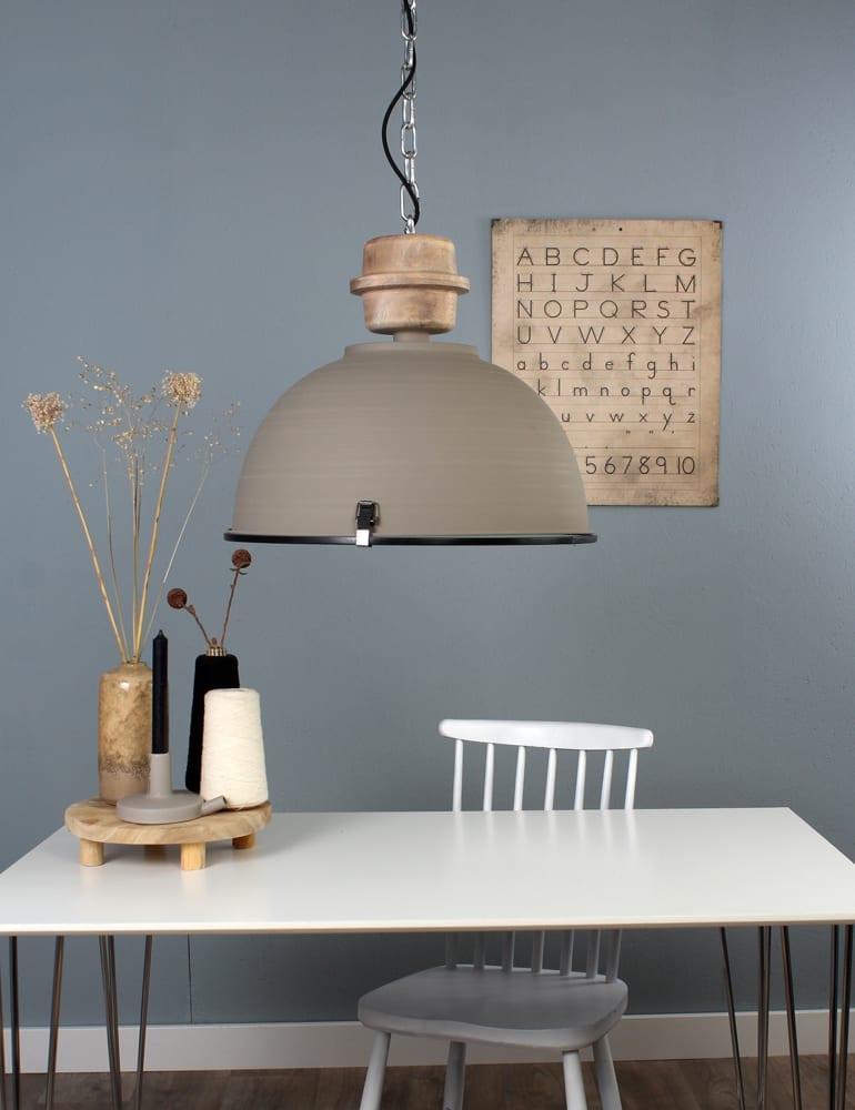 Scandinavische hanglamp eettafel hout steinhauer bikkel for Hanglamp eettafel