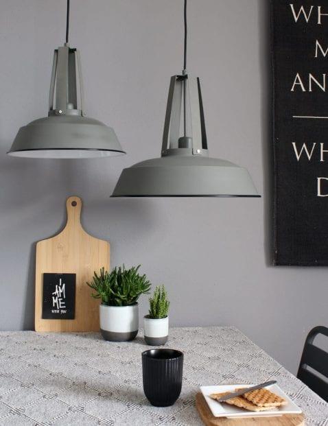 Grijze hanglamp met stoere look Mexlite Luna