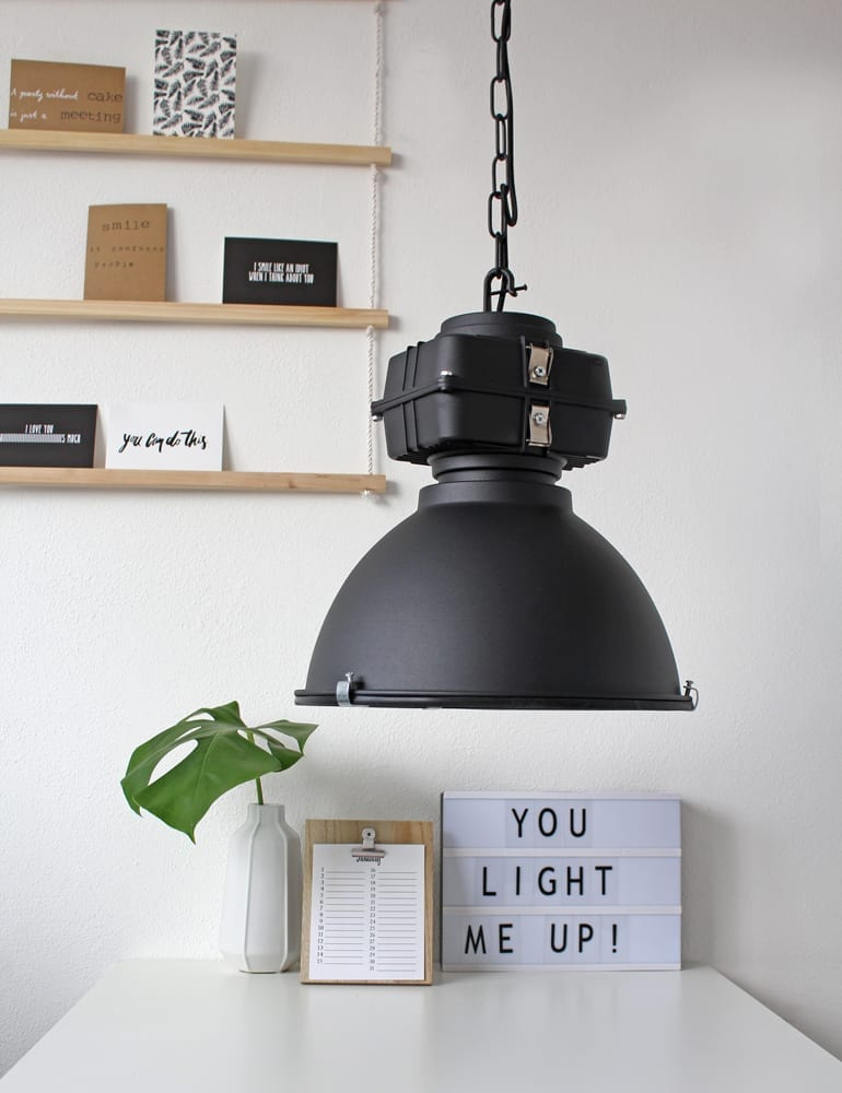 Zwarte Robuuste Fabriekslamp Industrielamp