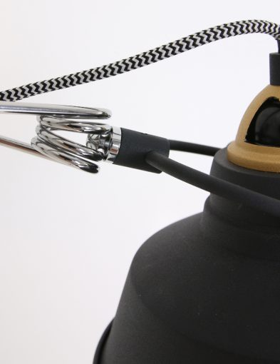 hip-wandlampje-goud-zwart-met-strijkijzersnoer