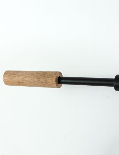 houten-detail-minimalistische-lamp