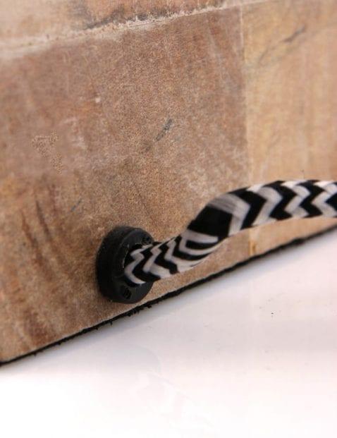 houten-plank-lamp-lichtbron-speels-strijkijzersnoer
