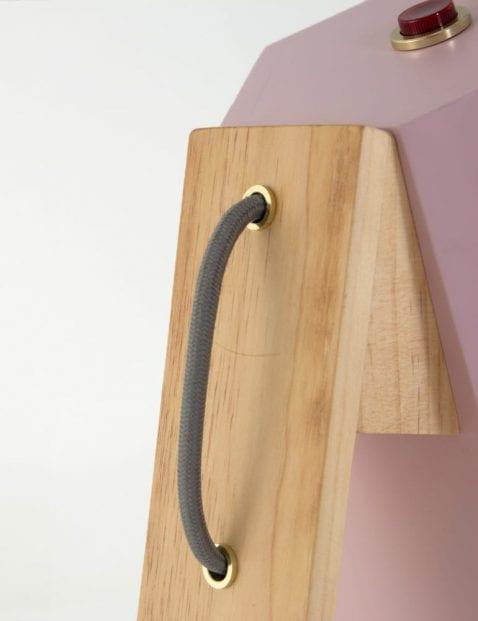 houten-tafellamp-met-grijs-snoer