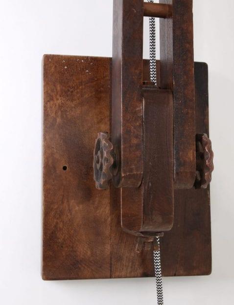 houten-wandlamp-robuust-koperkleur