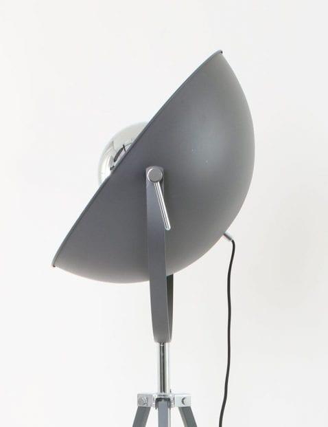industri_le_vloerlamp_zilver