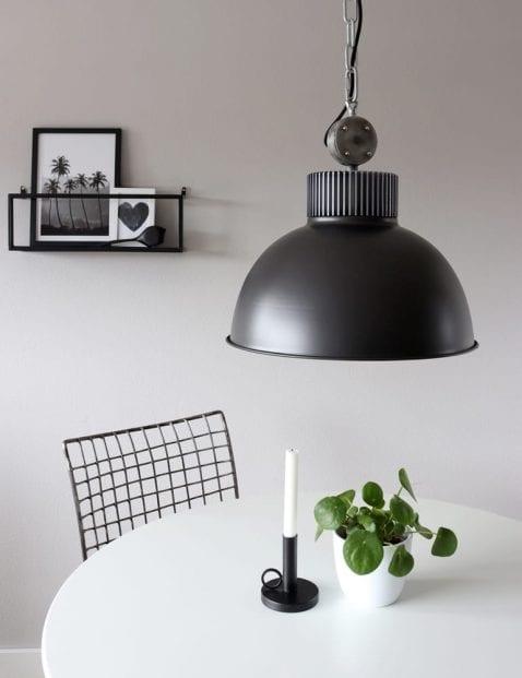 Stoere fabrieks hanglamp Mexlite Dinko zwart