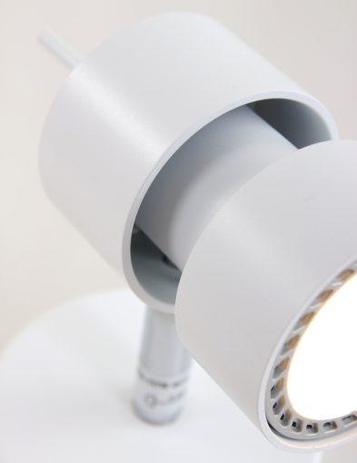 industriele-witte-strakke-spot-wandlamp