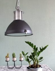 industriele-zwarte-hanglamp-staal
