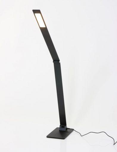kantelbare_zwarte_bureaulamp