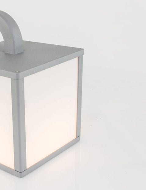 lantaarnlampje-buiten-grijs