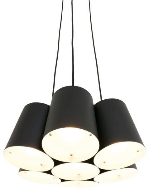 meerdere-zwarte-kappen-strijkijzersnoer