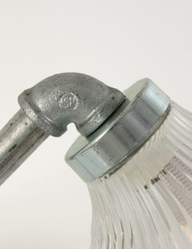 metalen-frame-glazen-kap-bureaulamp-robuust