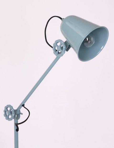 moderne-staande-lamp-mintblauw-groenblauw-anne