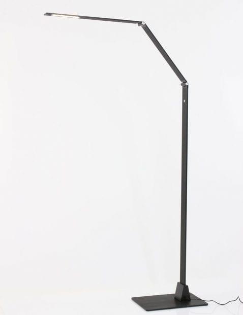moderne_vloerlamp_steinhauer_zwart