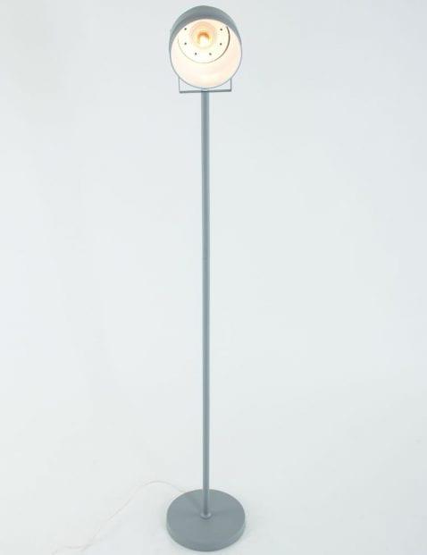 muisgrijze-staande-lamp