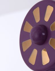 paarse-glanzende-bureaulamp-leitmotiv