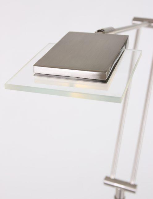 praktische_staalkleurige_vloerlamp_1