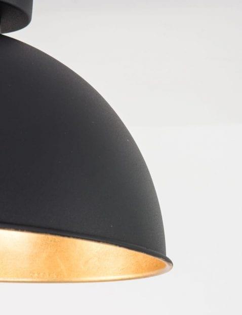 ronde-zwarte-plafondlamp-met-gouden-binnenkant