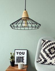 scandinavische-zwarte-draadlamp-met-hout