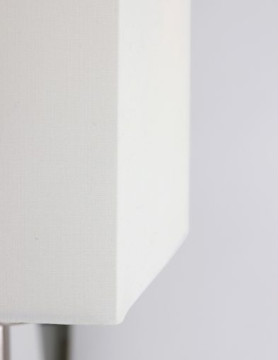 schemerlamp-met-witte-linnen-kap