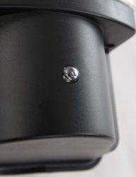 sensor-buitenlamp-zwart-praktisch