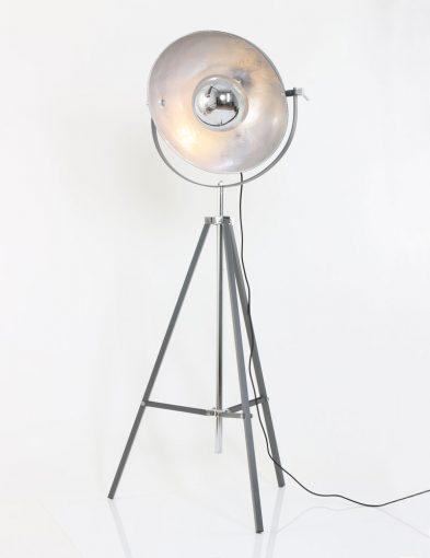 sfeervolle_driepoot_vloerlamp