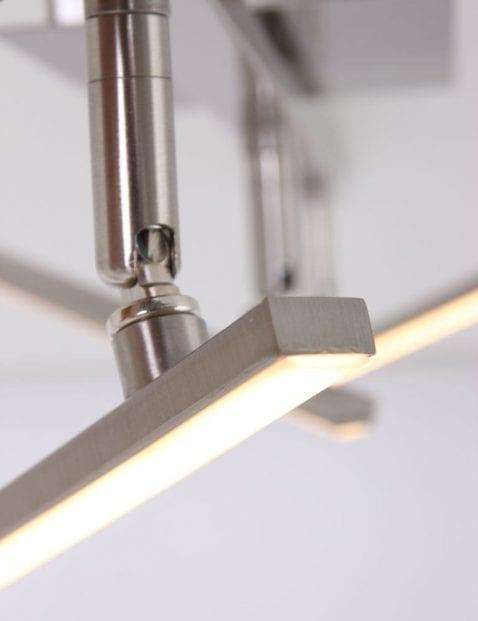 staalkleurige-plafondlamp-praktisch-kantelbaar