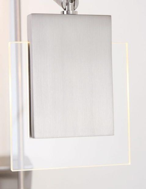 staalkleurige_wandlamp_dimbaar_1